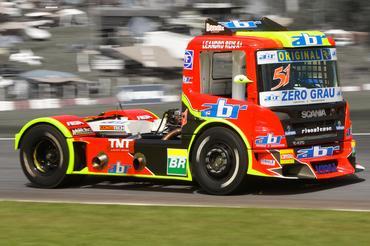 Truck: Pilotos goianos começam bem a 2ª etapa da Fórmula Truck