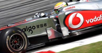 F1: Hamilton sobra em treinos livres na Malásia