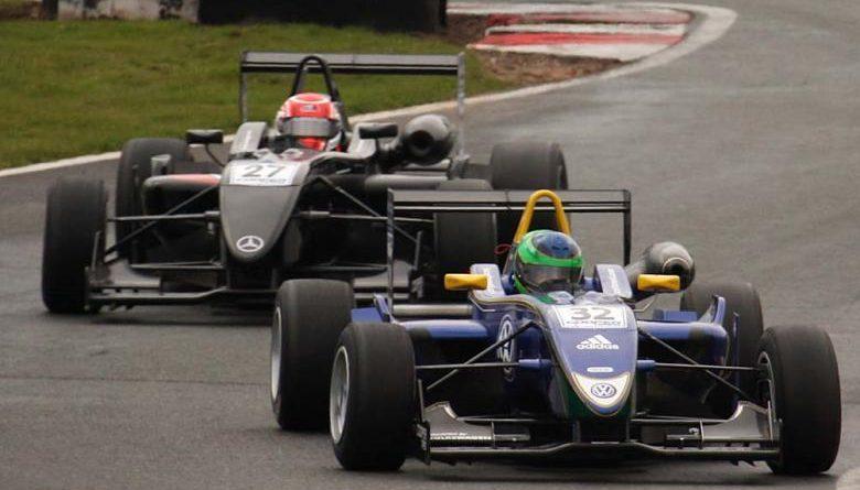 F3 Inglesa: No novo traçado Silverstone Arena GP Lucas Foresti fica no Top 5