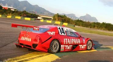 Stock: Itaipava Racing Team busca mais informações antes do treino classificatório no Rio de Janeiro