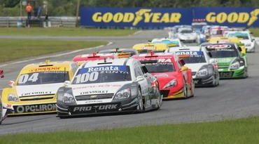 Stock: Em Curitiba, Corinthians faz os primeiros pontos na Stock Car