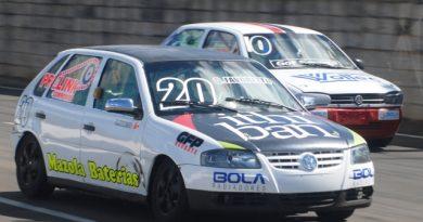 Carros de Turismo e Fórmula Vee correm neste sábado no ECPA