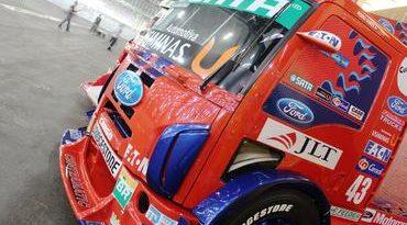 IndyCar: Pedro Gomes entra na pista representando a Ford em exibição de caminhões