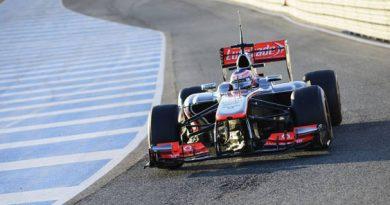 F1: Jenson Button termina o primeiro dia de treinos na frente