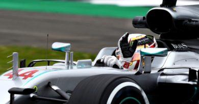 F1: Hamilton põe Mercedes no topo no 1º treino livre na Inglaterra