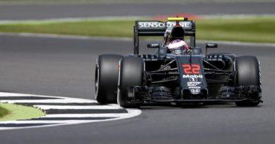 F1: Apple negocia compra da McLaren por R$ 6,35 bilhões