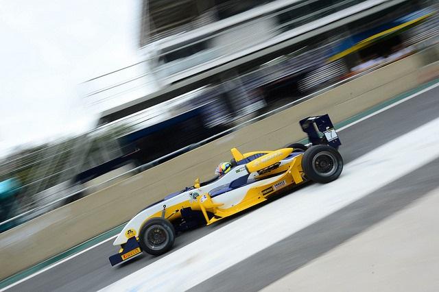 Super Fórmula Brasil: Pilotos treinam no Velopark