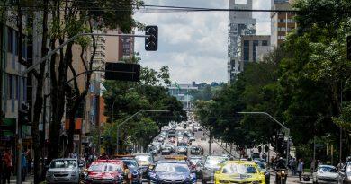 Stock Car já agita Curitiba com carreata pelo centro