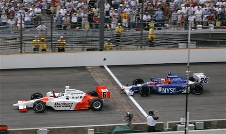 Indy 500: Sam Hornish Jr vence as 500 Milhas de Indianápolis