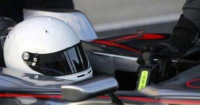 F1: Alonso pode abandonar cor azul em seu capacete