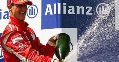F1: Schumacher recebe troféu em homenagem as 72 vitórias na carreira