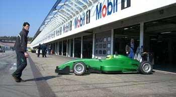 F3 Alemã: Thomaz tem primeiro contato com novo carro em Hockenheim