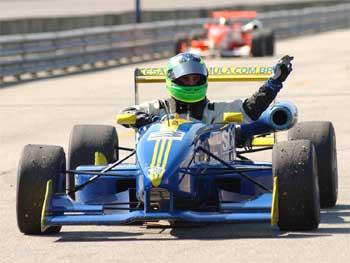 F3 Inglesa: Alberto Valério disputa temporada pela Cesário Fórmula