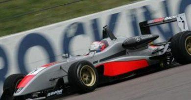 F3 Inglesa: Marko Asmer e Maro Engel marcam as poles em Rockingham