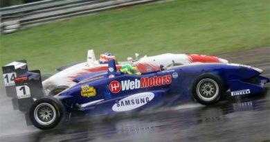 F3 Sulamericana: Bia sobe ao pódio e faz e melhor volta da prova