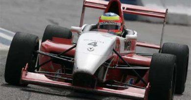 F-Renault: Lapenna a seis pontos do título de 2006