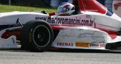 F-Renault: Envolvido em acidente, Mario Romancini abandona etapa de Vitória