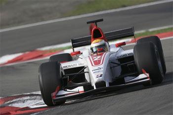 GP2 Series: Hamilton vence a segunda seguida