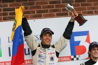 F3 Inglesa: Rodolfo Gonzalez é o Campeão da Classe Nacional