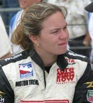 IRL: Sara Fisher volta à categoria