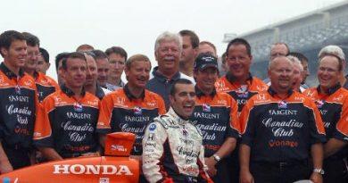Indy 500: Franchitti comemora vitória com equipe, esposa e cão
