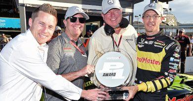 IndyCar: Sébastien Bourdais marca a pole-position para o GP de Phoenix