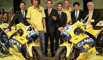 MotoGP: Camel Yamaha apresenta nova moto de Rossi para 2006