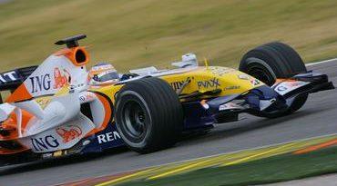 F1: Nelsinho Piquet completa segundo dia de testes em Jerez
