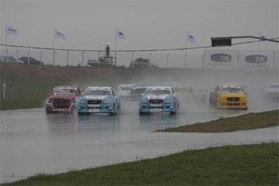 Pick-Up: Corrida sob chuva entusiasma cinco mil em Santa Cruz do Sul