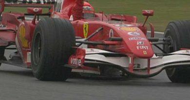F1: Michael Schumacher vence na China e assume a liderança do campeonato
