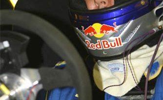 Stock: Cacá Bueno renova com a Red Bull