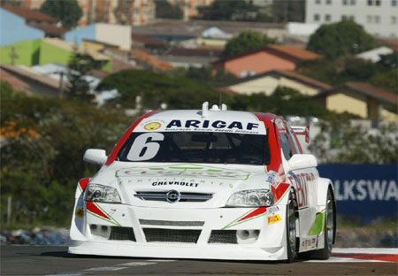 Stock: Feldmann lidera treino extra em Londrina