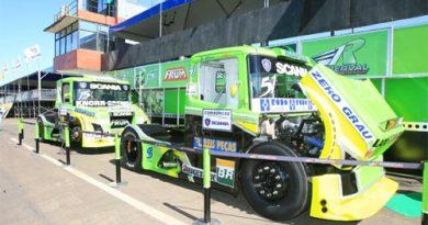 Truck: Treinos de sexta com líder do campeonato na ponta