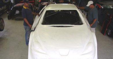 Stock: A. Guaraná Sports representa Peugeot na temporada 2008 da Copa Vicar Stock Car