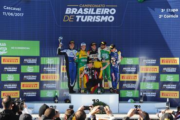 Campeonato Brasileiro de Turismo: Gabriel Robe vence segunda corrida em Cascavel e repete feito de 2