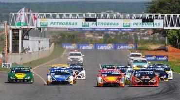 Campeonato Brasileiro de Turismo: Coelho leva Minas Gerais ao topo do pódio em Curvelo