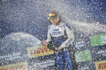 Campeonato Brasileiro de Turismo: Giulio Borlenghi vence corrida em Londrina após largar em último