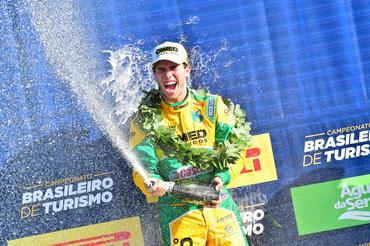 Campeonato Brasileiro de Turismo: Pietro Rimbano vence Corrida 2 em Santa Cruz