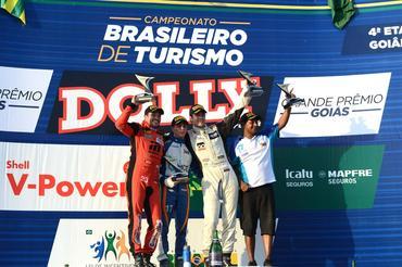 Campeonato Brasileiro de Turismo: Guilherme Salas vence a primeira corrida do final de semana