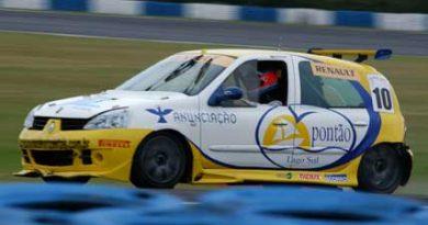 Copa Clio: Mesmo com carro avariado, Edson do Valle pontua em Curitiba