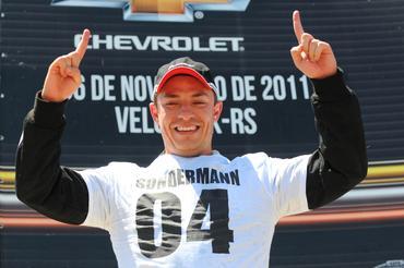 Copa Chevrolet Montana: Diogo Pachenki vence no Velopark e Rafael Daniel garante o título de 2011