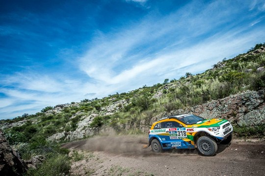 Rally Dakar: Equipe Mitsubishi Petrobras começa ganhando posições