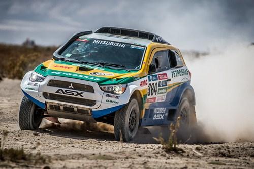 Rally Dakar: Pelas planícies do Salar de Uyuni, Equipe Mitsubishi Petrobras sobe na classificação do
