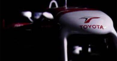 F1: Toyota lança novo carro de maneira inusitada