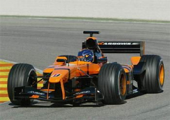 F1: Super Aguri realiza seu primeiro teste na Inglaterra