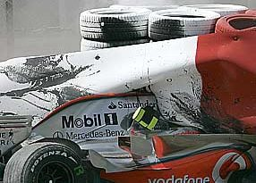 F1: McLaren culpa detritos por acidente de Kovalainen
