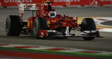 F1: Fernando Alonso marca a pole em Cingapura