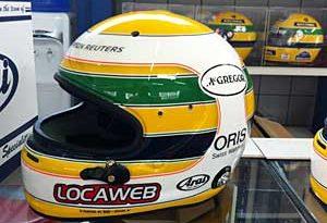 F1: Rubens Barrichello usa capacete em homenagem a Ayrton Senna