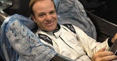IndyCar: Rubens feliz por completar teste no carro de Tony