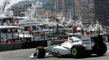 F1: Favorito à pole para Button, Barrichello vê